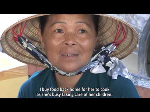 Nghề đan lú của chị em phụ nữ ấp Thạnh Phú 1, xã Trung Thạnh