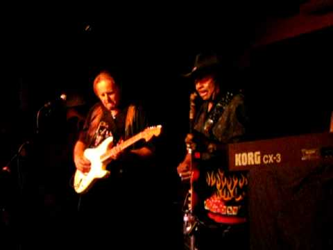 Walter Trout jams with Guitar Shorty