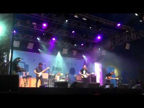 Twin Atlantic -Yes I Was Drunk (HQ) NME/ Radio 1 stage Reading 25/08/2012