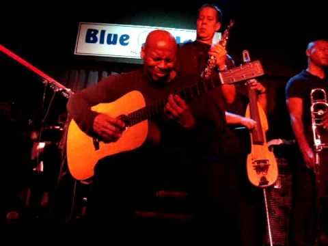 Kevin Eubanks - up close at the Blue Note, part 2
