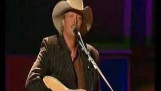 Watch Alan Jackson In The Garden video
