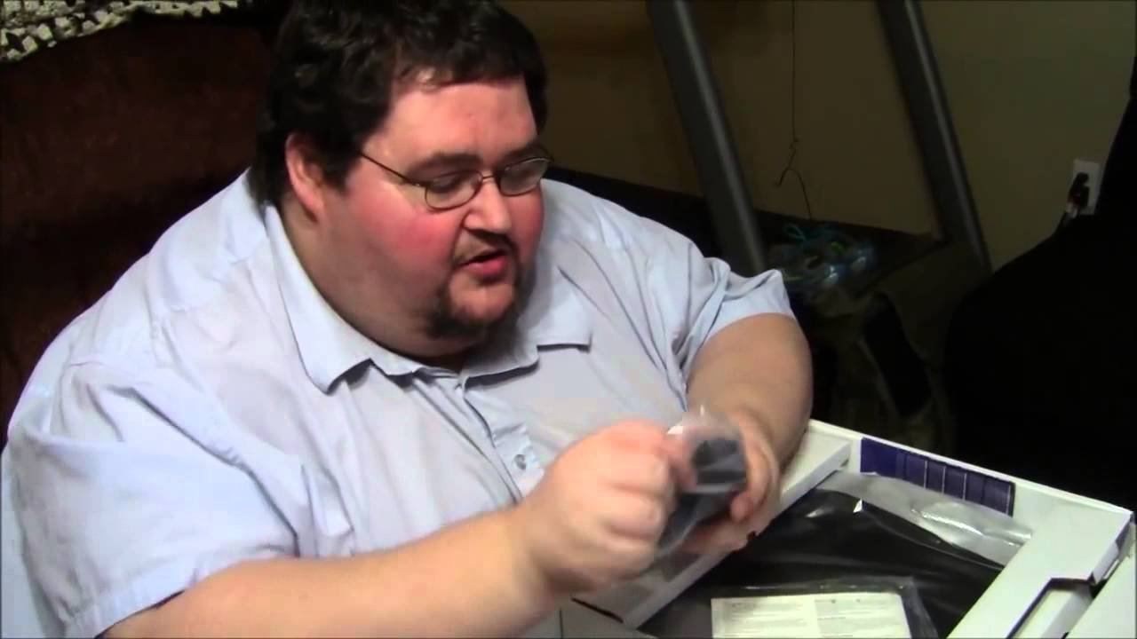 Gordo se vuelve loco al abrir su Play Station 4 - YouTube
