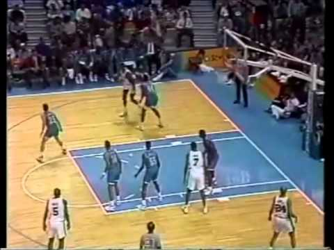 David Robinson: Leading the Spurs over Mourning and the Hornets (52 points, 1993)