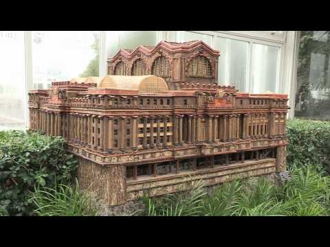 The New York Botanical Garden s Holiday Train Show — 2010