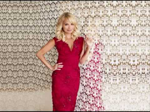 "Kristin Chenoweth - ""The Christmas Waltz"""