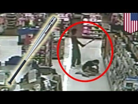 В Walmart мужчина ударил женщину по голове бейсбольной битой и скрылся