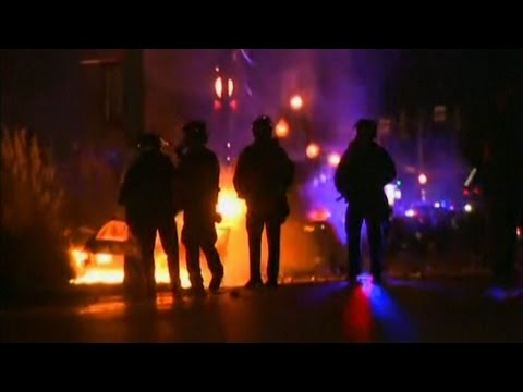 Ferguson protests erupt after grand jury decision in Michael Brown shooting