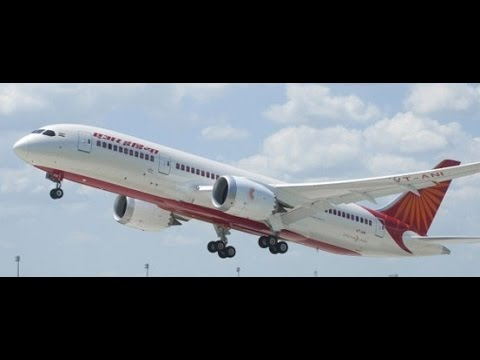 Air India DREAMLINER 787 taxi and takeoff from ROME