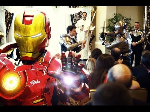 Iron Man, Batman y ninjas irrumpen en una boda (VIDEO)