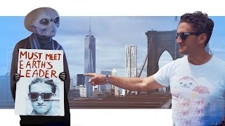 ALIEN IN NEW YORK CITY ? - #AlienMeetsCasey