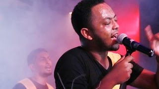 Jano Band - [Ayenema Wedajish] live at H2o (Ethiopian Music)