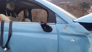 L' auto distrutta