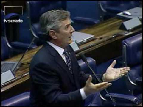 Collor diz que não retira palavras contra Pedro Simon