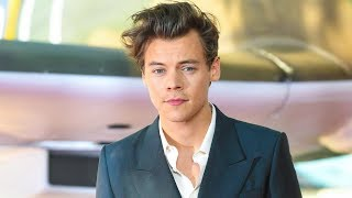 Top 5 Harry Styles Outfits That Changed Our Lives | Hollywire