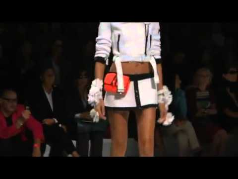 Sara-Sampaio.webstarts.com Presente Blumarine Spring / Summer 2012 Fashion Show