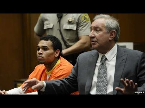 Chris Brown to stay in jail for at least another week
