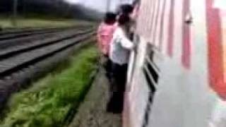 YouTube - Destroyed in seconds-Train.3gp