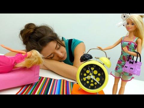 Видео для девочек: #БАРБИ (barbie) собирается на пикник. Видео #КУКЛЫ и Игры для девочек