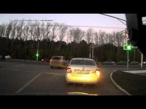 Авария 02.10.2013 19.00 Рязань перекресток тц Премьер