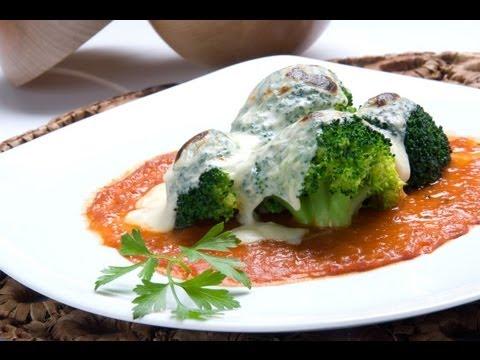 Brócoli con bechamel de queso