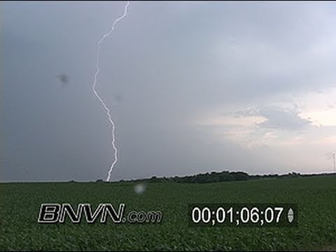 6/24/2005 Lightning video from Farmington, MN