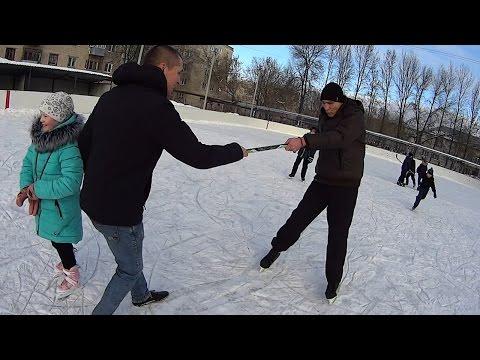 На что готов мужик ради 300 руб / Андрюха первый раз на коньках