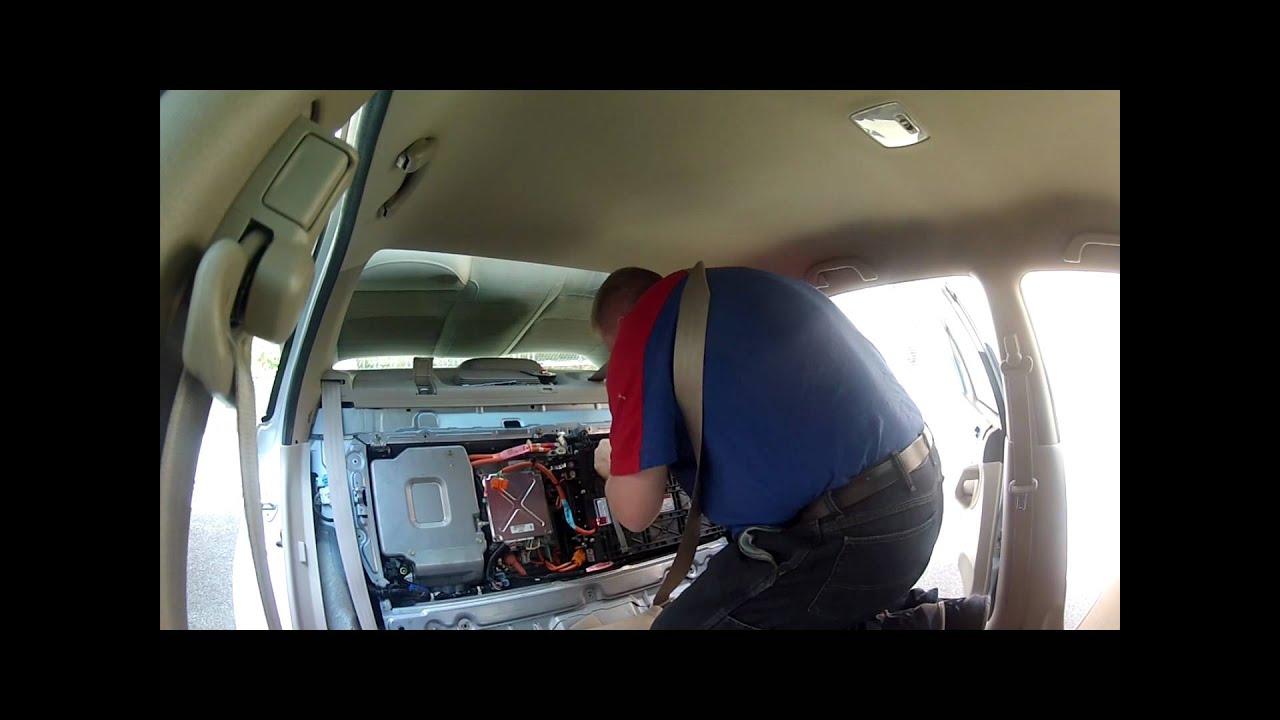 Battery installation 2003-2005 Civic Hybrid - YouTube
