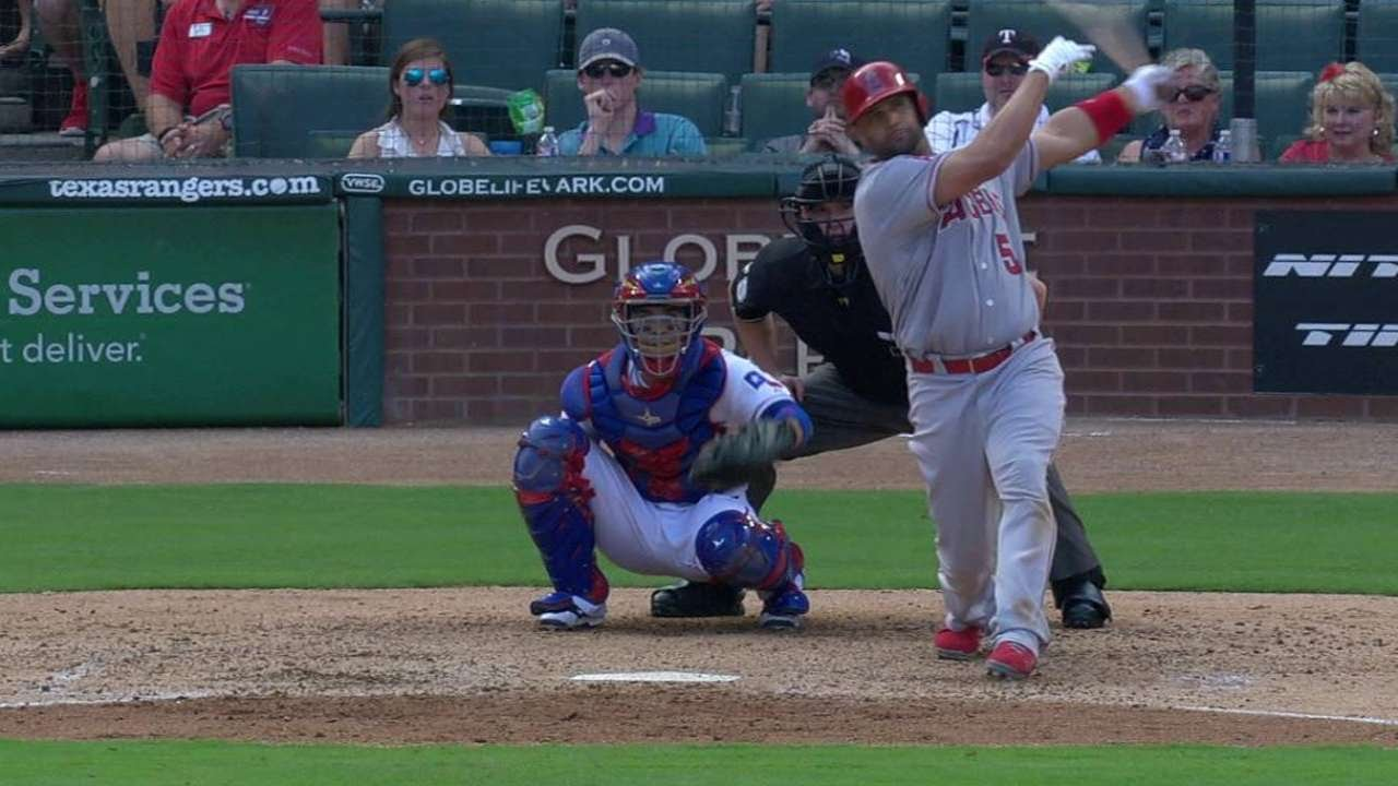 LAA@TEX: Pujols hammers a home run to left field