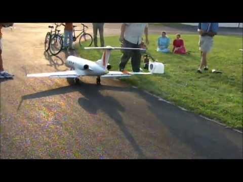 1/9 Scale RC Gulfstream G-IV Prototype