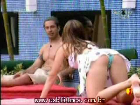 BBB9: Michele mostrando o corpo