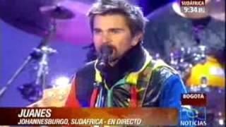 Video de Juanes cantando la camisa negra en el concierto Kickoff del Mundial de Sudáfrica