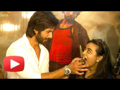 Shahid Kapoor Meets His Fans And Cuts The Cake – R Rajkumar Success