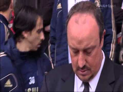 Rafa Benitez almost crying during playing YNWA when he is a Chelsea manager.