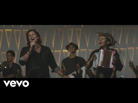 Carlos Vives - Carlos Vives - Las Cosas de la Vida (Official Video)