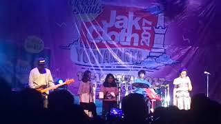 Download Lagu Raisa - Usai Disini ( LIVE PERFORMANCE ) Gratis STAFABAND