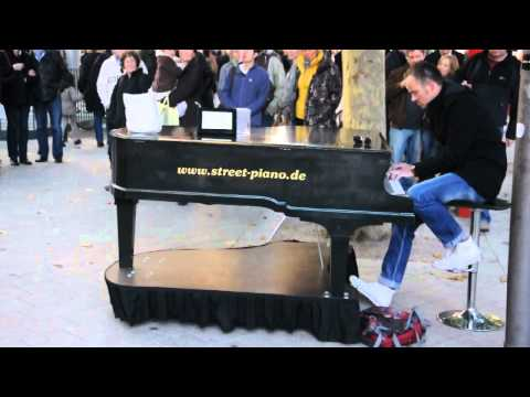 Street piano in Hamburg