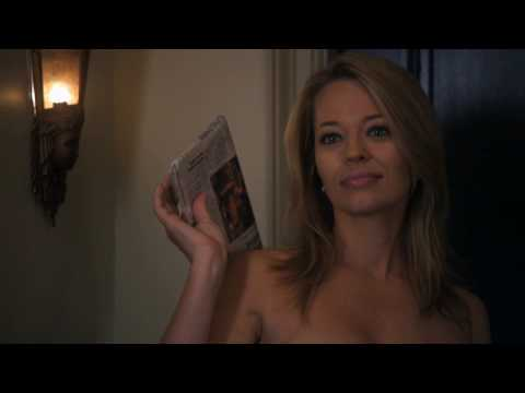 Jeri Ryan Loses Her Towel Video