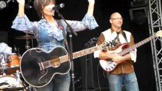 Watch Pam Tillis Those Memories Of You video