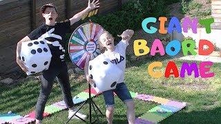 GIANT BOARD GAME CHALLENGE !! Jeu de l'oie géant