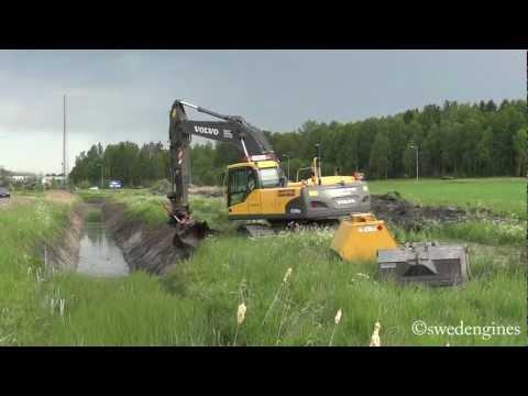 Volvo EC240CNL Dikesrensning