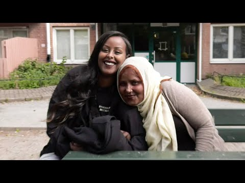 Cherrie: The Scandinavian RnB star with Somali roots - BBC Africa thumbnail