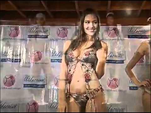 Sandra Valencia y otras modelos paisas para Leonisa