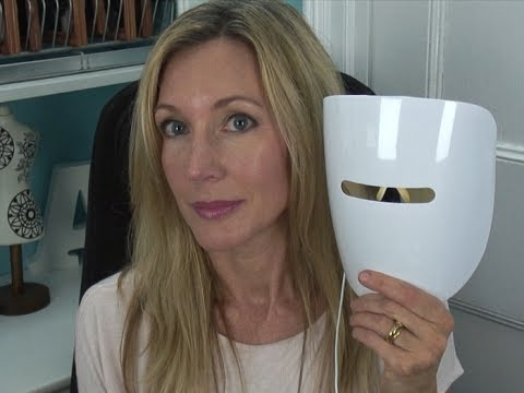 IlluMask Anti-Acne Light Therapy Mask Review