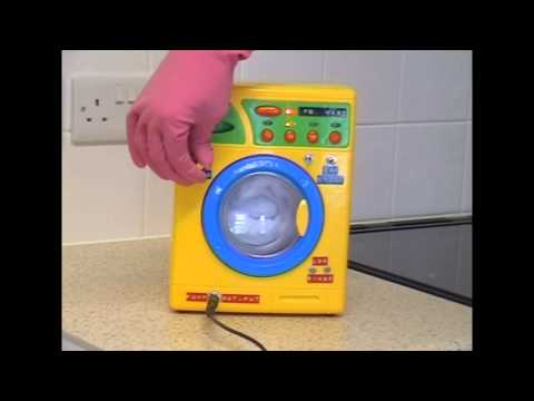Circuit Bent Toy Washing Machine by freeform delusion