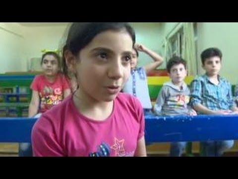 Шефство над сирийскими детьми-сиротами взяли российские военные