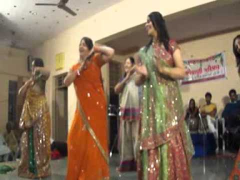 Ghumar - Mohit Bhai Marriage - Mom And Aunt's Performance video