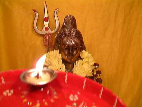 SHIVRATRI AARTI - OM JAI SHIV OMKARA WITH REAL AARTI FLAME FOR...