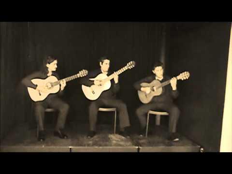 """""""No tengas miedo"""" tango de G. Cavazza y J. Font. Por Cordal trío. Enero de 2013."""