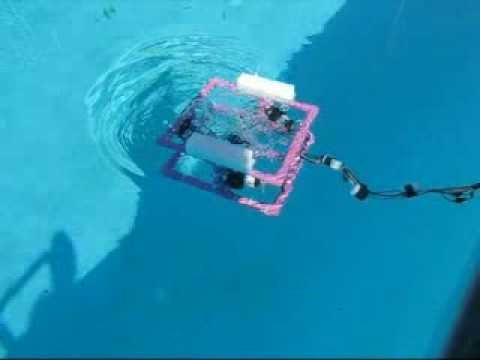 Amateur Radio Club Tests Underwater Robot