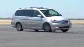 2008 Dodge Grand Caravan vs. 2007 Honda Odyssey | Comparison Test | Edmunds.com
